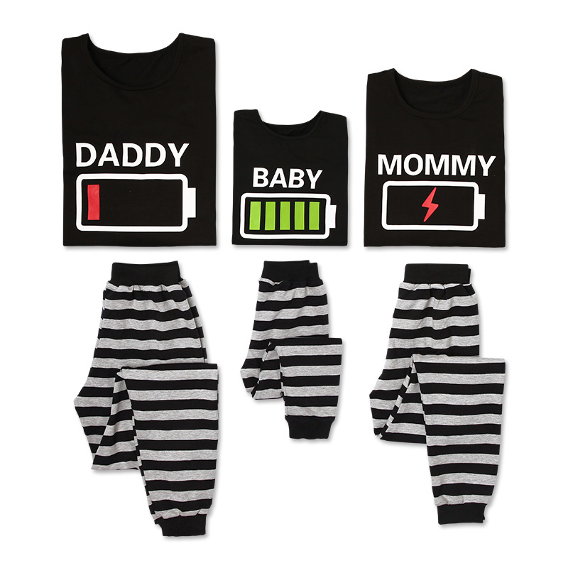 Купить со скидкой Hilarious Energy bar Print Family Pajamas Set