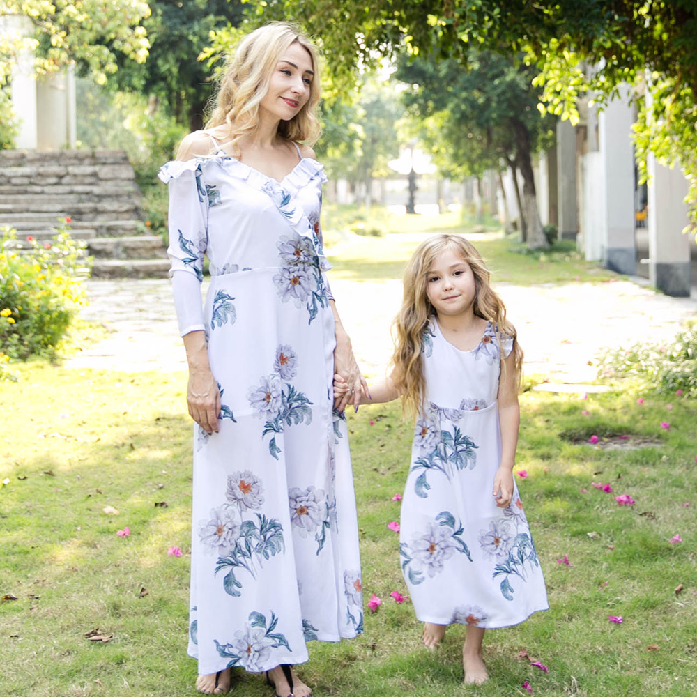 Купить со скидкой Pretty Floral Printed Off-shoulder Long Sleeve Ruffles Dress for Mom and Me