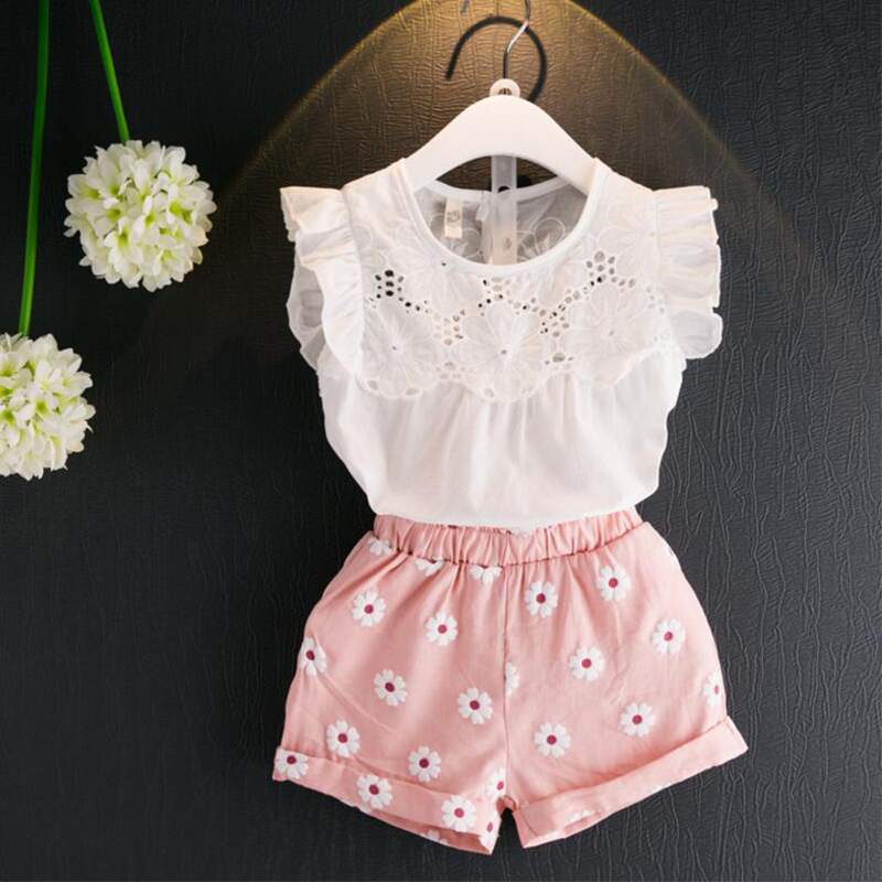 Купить со скидкой 2-piece Flutter Sleeves Hollow Out Top and Floral Shorts for Girls