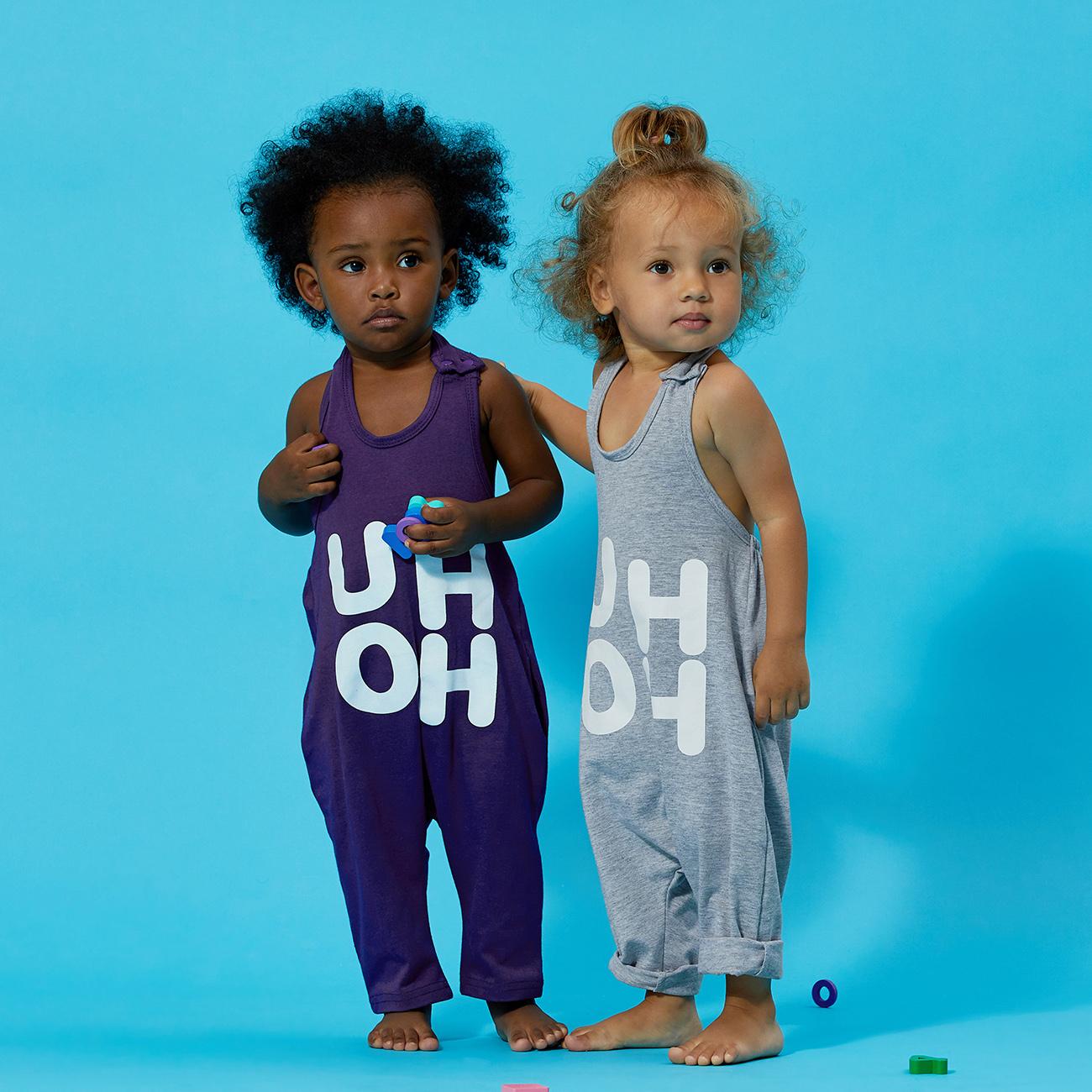 Bebê / Criança Menina Na Moda Carta De Impressão De Tiras Macacão