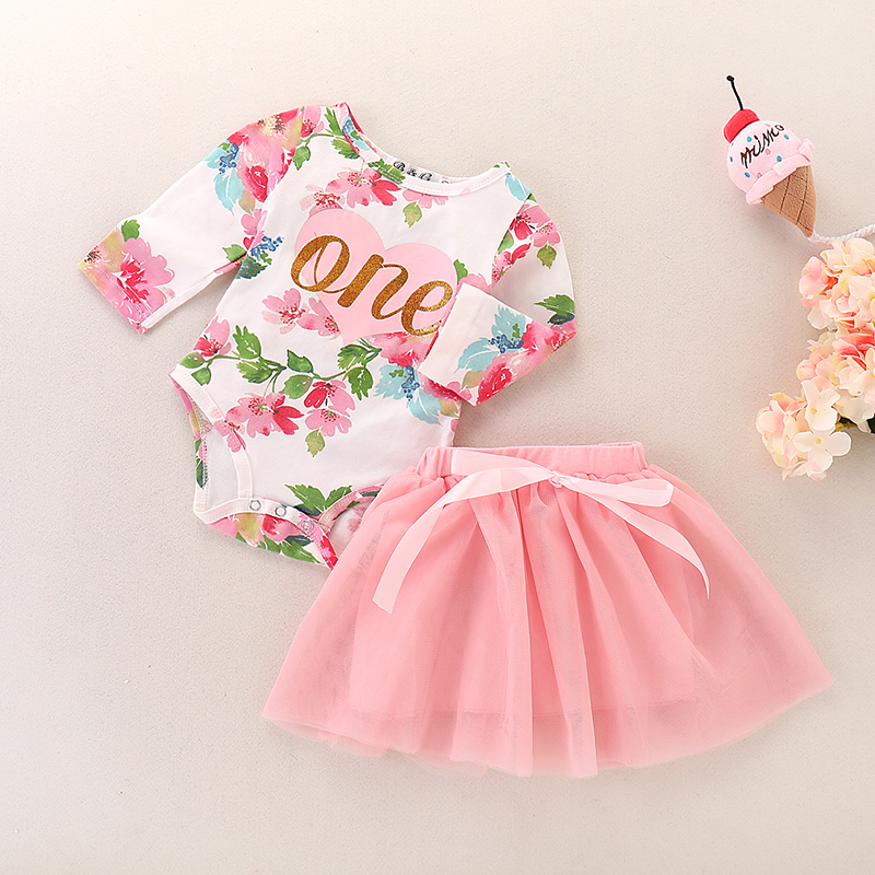 Купить со скидкой 2-piece Sweet Floral Bodysuit and Pink Tulle Skirt Set for Baby Girl