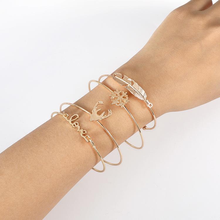 Image of 4-piece Il braccialetto a forma di alce solido alla moda
